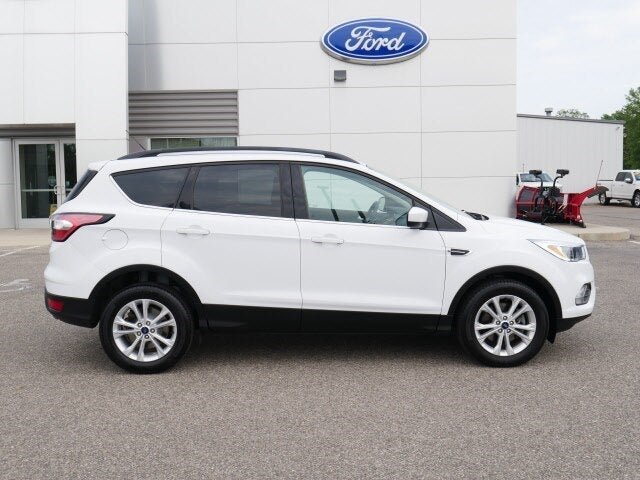 Used 2018 Ford Escape SE with VIN 1FMCU9GD8JUC04050 for sale in Annandale, Minnesota