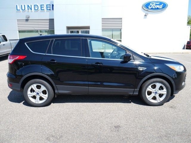 Used 2016 Ford Escape SE with VIN 1FMCU9GX2GUC43560 for sale in Annandale, Minnesota